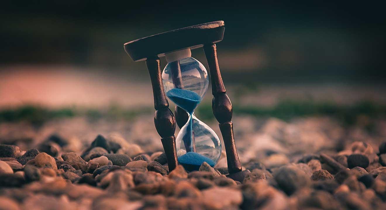 hour glass for wisdom article